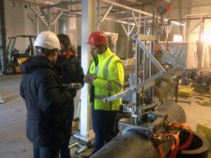Наши работы: ввариваем отводные трубки 32, 63, 110 мм в основную трубу диаметром до 500 мм